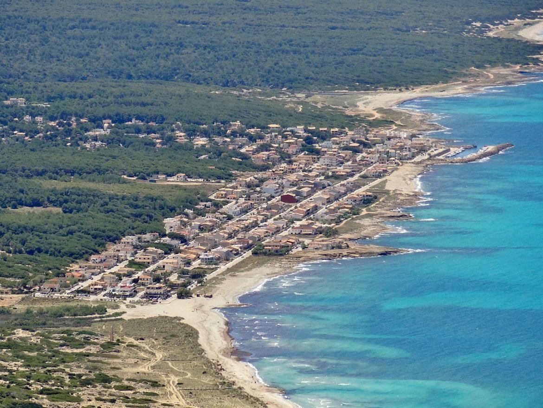 playa de son serra de marina desde el aire